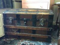 Large chest trunk treasure chest 77x44cm
