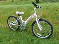 Girls mountain bike 6 gears.