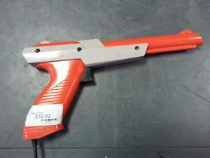 Nintendo Zapper Controller. 38830