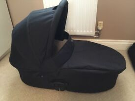 Oyster 1 black pushchair carrycot