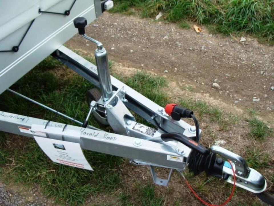 Startrailer Aluanhänger Profiserie 1300 kg 2510 x 1310 x 1500 mm in Elsdorf