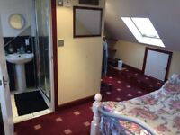 Brand new spacious en-suite double room for instant move in!