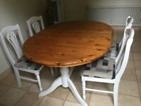 Beautiful vintage extending dining table and 4 matching chairs