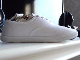 White Shoes - Job Lot