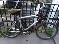 Schwinn hybrid bicycle in perfect working conditions, great road tires