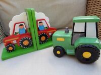 IDEAL CHILDS GIFT TRACTOR MONEY BOX AND BOOKENDS SUPERB CONDITION BIRTHDAY BOYS TOYS KIDS PRESENT