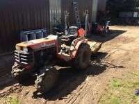 Kubota b2110 compact tractor