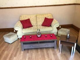 Sofa set X3 in really good used condition with coffee table