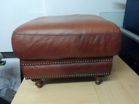 ANTIQUE STYLE QUALITY LEATHER FOOT STOOL POUFFE