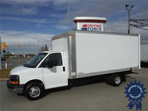 2015 GMC Savana 16ft Cube Van - 27,586km - Cruise Control