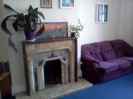 Room to rent in the centre of Moseley - Available Now!!