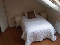 Rooms available just off the Lisburn Rd, 2 min walk from QUB & City Hospital.