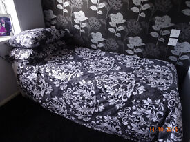GUEST BED 3in ONE DIVAN Mint Condition