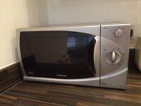 Microwave Samsung M1714