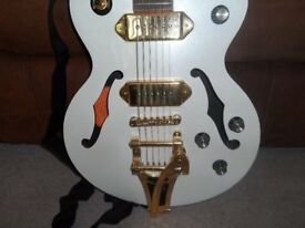 Epiphone Wildkat Royale Limited Edition : Pearl White/Gold sparkle: Immaculate.