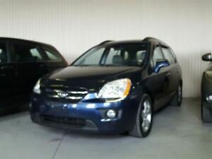 2008 Kia Rondo EX, 7 passengers with leather and sunroof
