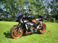 Aprilia Tuono RSV 1000 '05 Black, As New