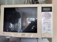 Large SANYO 900watts Microwave cum Electric Oven cum Grill (Spares or Repair)
