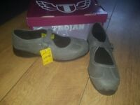 Womens Trojan mary Jane steel toe cap safety shoes size 6