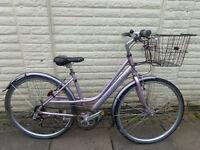 ladies raleigh hybrid aluminium bike ammacalate conditiuon ,new lights, d-lock FREE DELIVERY