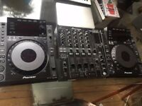 Pioneer CDJ 900 x 2 & DJM 800 Mixer