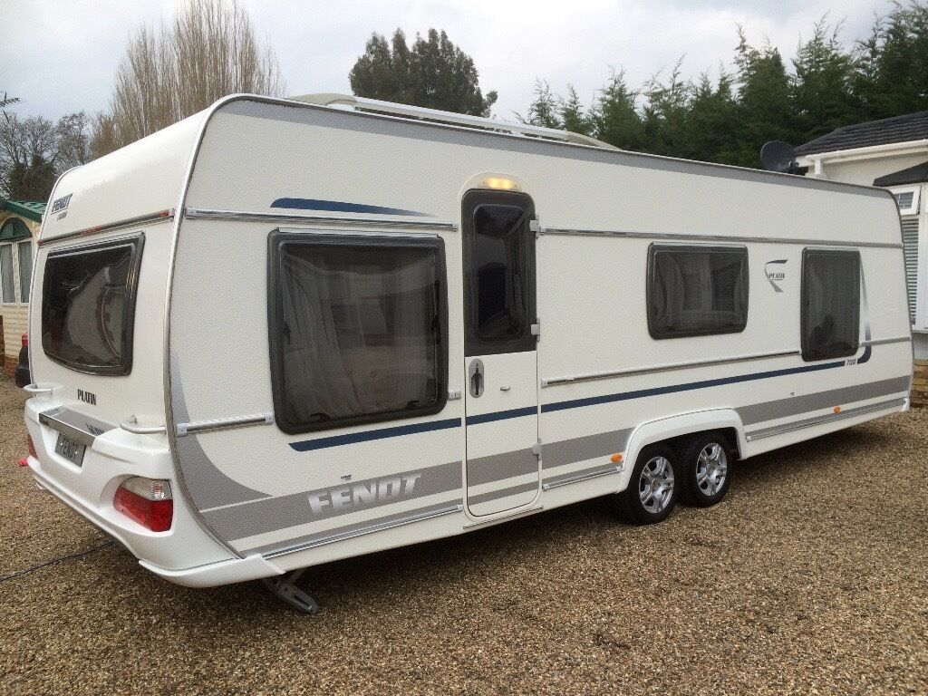 fendt caravan 700 platin 2011 island bed cris registered like hobby tabbert in wraysbury. Black Bedroom Furniture Sets. Home Design Ideas