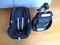 Cabrio fix maxi cosi car seat & ISO fix base