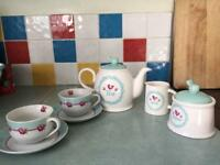 Rustic style tea and cup set