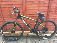 TREK marlin 6 mountain bike 24 speed beautiful bike, disc brakes, quick release wheels