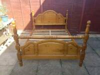 King size bed pine