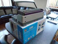 Wire Binding Machine (DSB WR-150) Rarely used, in perfect condition.