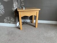 Solid oak small lamp table