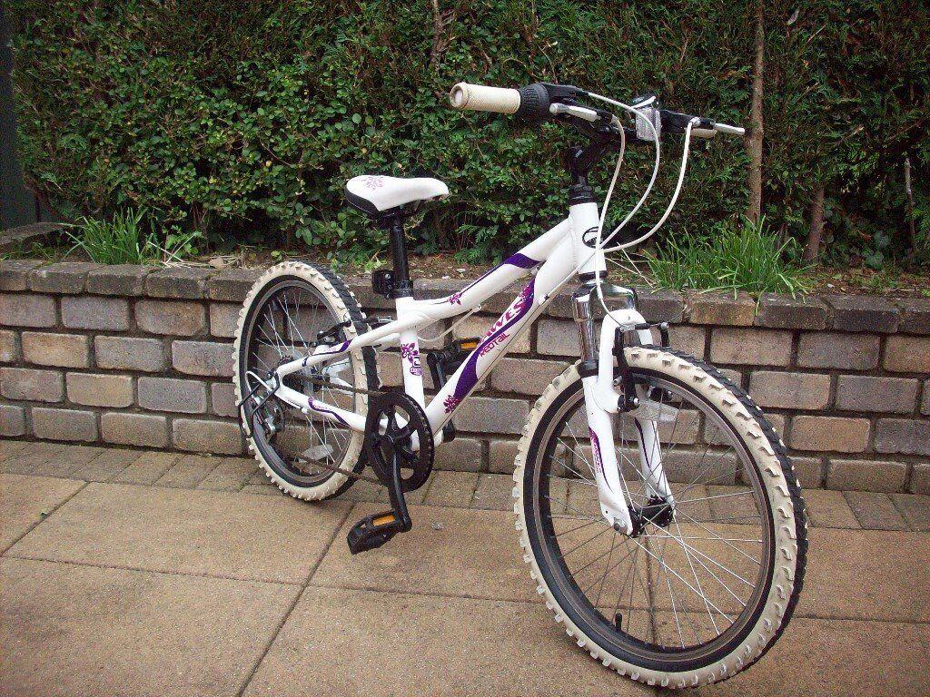 Girls Dawes redtail bike