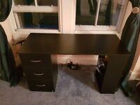 Black wooden computer desk (120x 49x 72cm)
