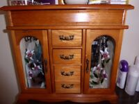 Jewellery box, wood, necklace hangers and ring holders, drawers, excellent condition for sale