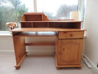 Antique Pine computer desk in very good condition