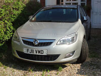 2011 Vauxhall Astra 1.6 / enormous good condition / !!! PRICE NEGOTIABLE !!!