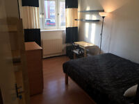 No Fees! - Beautiful Double Room - Available Now To Rent In Shadwell - Great Location - Great Price
