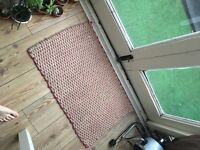 Small woven welcome paint