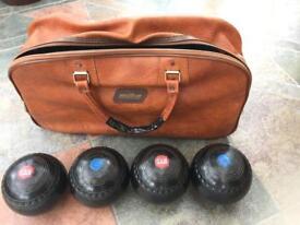 Set of 4 Henselite Bowls Super-grip Size 5 in Mitre bowling bag