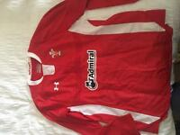 Wales rugby ladies top size 8-10