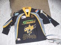 ICE HOCKEY TOP AS NEW SIZE M/L