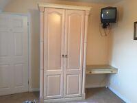 2 x Bedroom Suites: Double Bed, Memory Foam Mattress, 2 x Bedside Tables, Wardrobe, Dressing Table