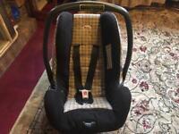 Britax baby carseat beige black 13kg good condition £8