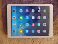 Apple iPad Air 32GB Wifi White/Silver in good working condition