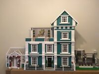 **Absolutely, Stunning DOLLS HOUSE - Collectors item**