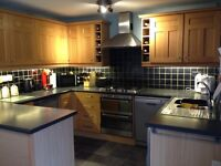 Kitchen & gas hob/electric fan oven