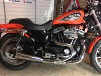 Harley Davidson 883R ( only 3700mls)