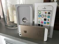 Apple IPhone 5s in white and gold 32gb very good condition