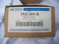 Front Brake shoes Ford Mustang 05-09 7R3Z-2001-B